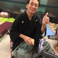 いつも笑顔オーラ満点。大好きな高橋秀次郎師匠
